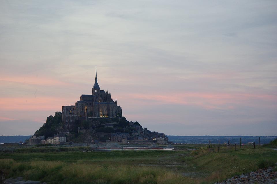 saint-michel-1712383_960_720.jpg