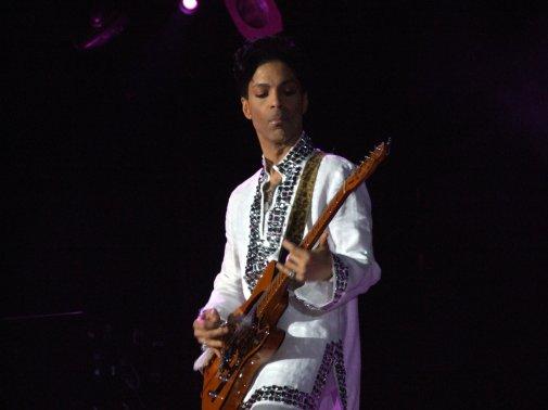 Prince est décédé le 21 avril 2016 à 57 ans (Wikipedia)