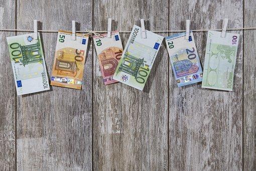 money-2991837__340.jpg